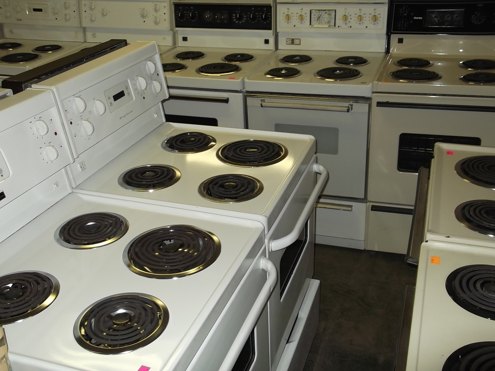 Stoves Gas / Electric : The Appliance Warehouse, New and Used ...