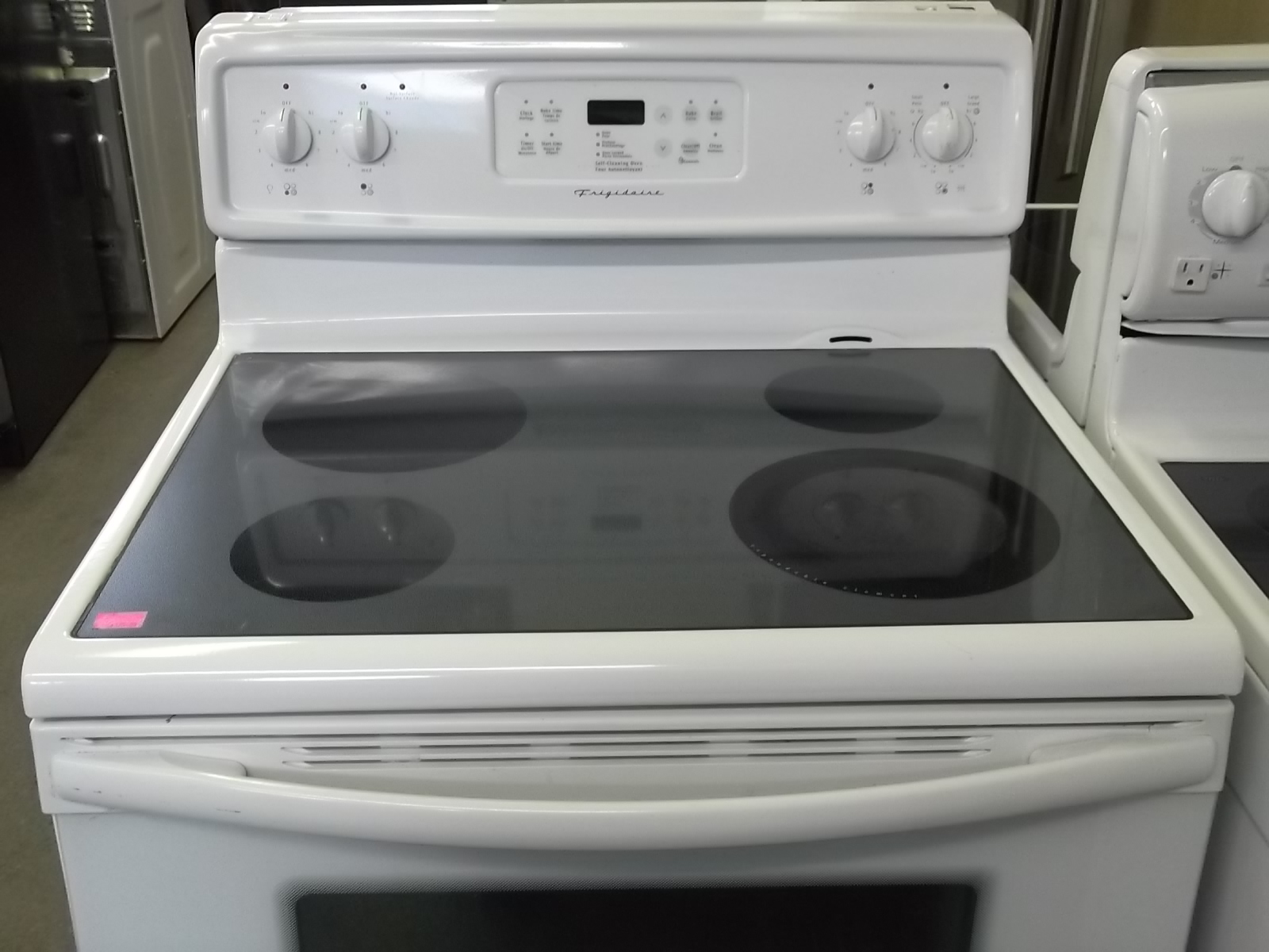 frigidaire 30 inch glass top stove the appliance warehouse new and used appliances. Black Bedroom Furniture Sets. Home Design Ideas