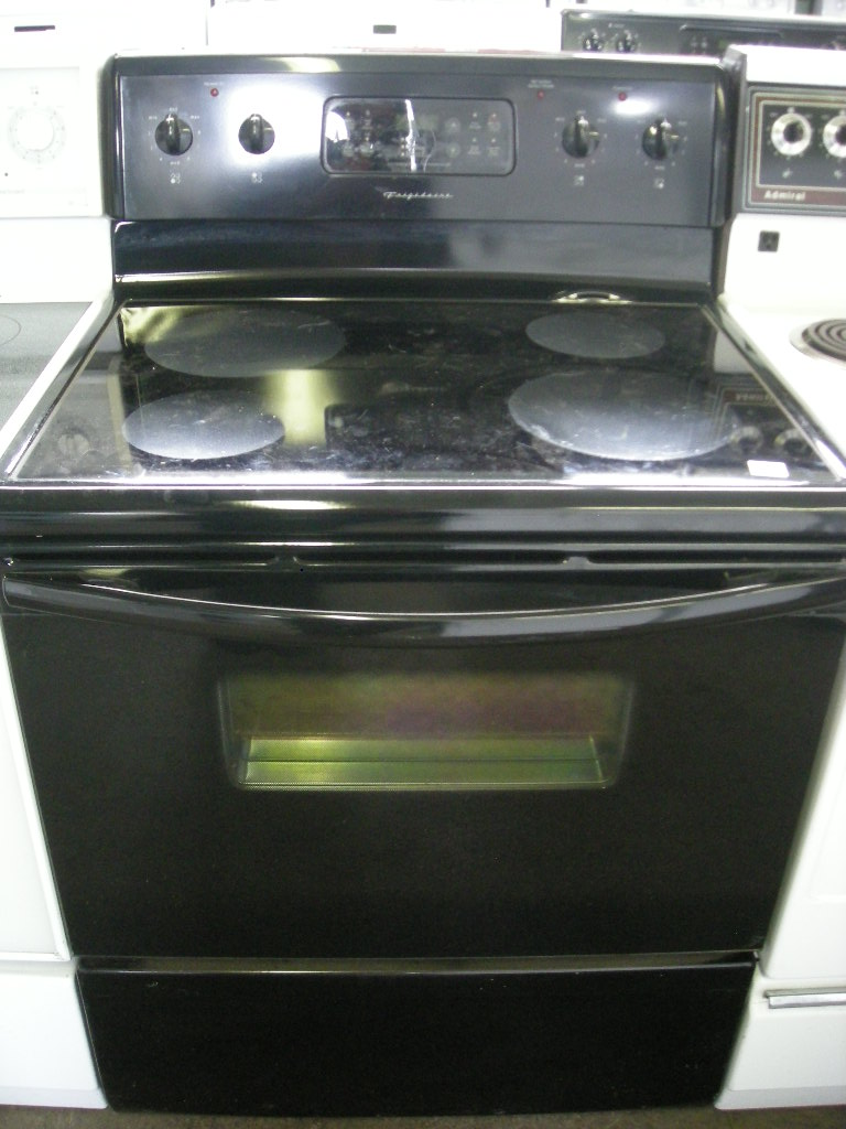 frigidaire apartment size electric stove the appliance