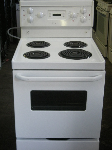 Apartment Size Ovens And Cooktops ~ Frigidaire apartment size electric stove the